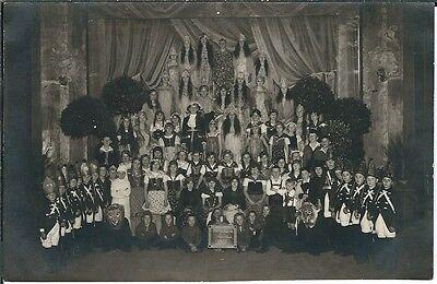 Ansichtskarte Gruppenfoto Jungs und Mädchen im Kostüm - Königskinder 1927 - (Gruppe Karte Kostüm)