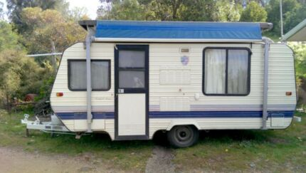 Regal Comfort Tourer 15ft poptop, accessories, well maintained