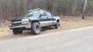 2002 Chevrolet silverado 1500 parts/repair 1000$