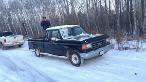Parting out 1989 Ford F-150 2wd