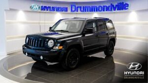 JEEP PATRIOT 2015 NORTH + TOIT + CRUISE + A/C + FOGS + HITCH + W