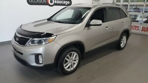 2015 Kia Sorento LX, sièges chauffants, hitch, bluetooth ONE OWN