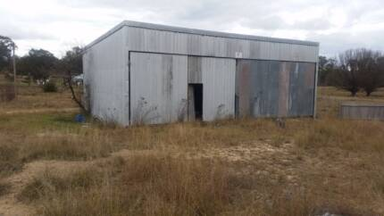 CHEAP ACREAGE FOR SALE 3 BUILDINGS ON IT INTEREST FREE FINANCE