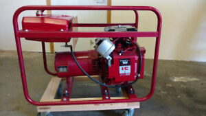Groban 3 Phase 220V 20A Generator. New Condition. Less than 1 hr run time