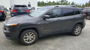 2016 Jeep Cherokee North AWD, toit ouvrant, navigation, hitch NO