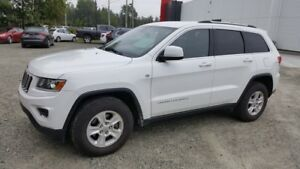 2014 Jeep Grand Cherokee Laredo 4X4, hitch, bluetooth NO DAMAGE