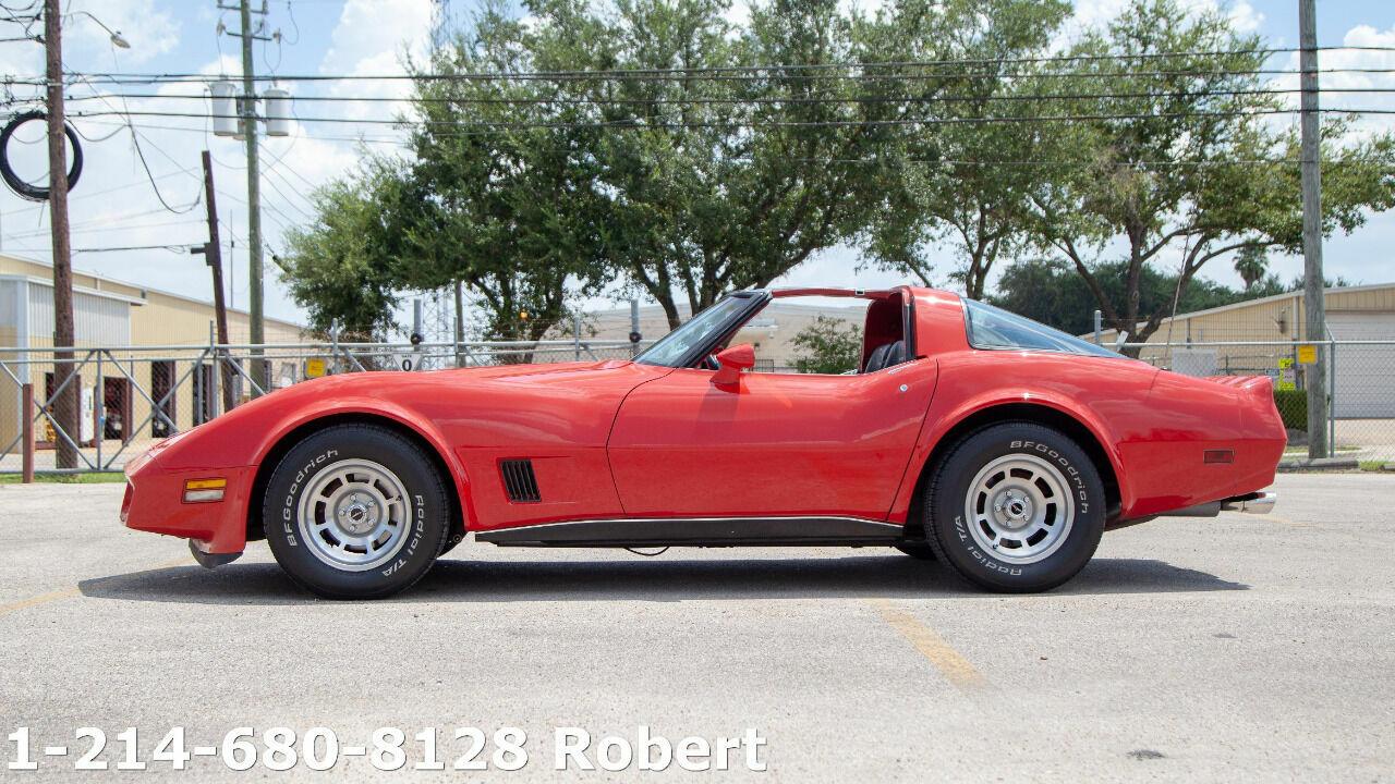 1980 Red Chevrolet Corvette   | C3 Corvette Photo 8