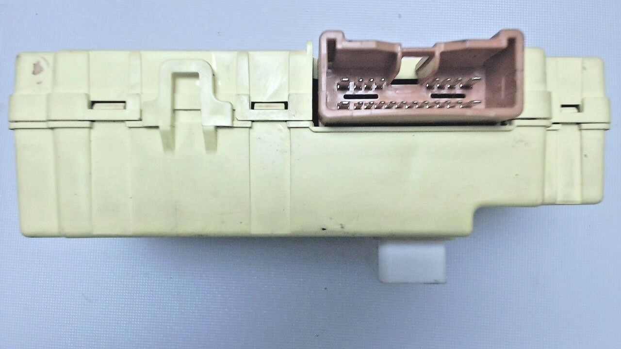 Used Toyota Sienna Switches And Controls For Sale 2006 Window Fuse Box 1999 2000 Relay Integration Door Control 8264108020
