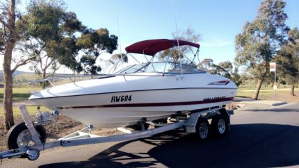 Wellcraft excel 215l ski / cruiser boat