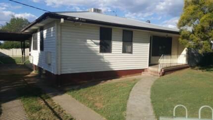 3 BR HOUSE FOR RENT  ROBERT ST TAMWORTH