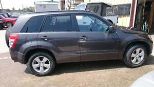 2012 Suzuki Grand Vitara JX all wheel drive and 4Wheel drive
