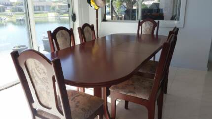 Dining Suite (Extendable)
