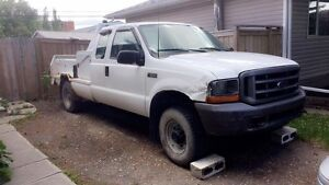 2000 Ford F-250, 5 speed, V10, great work truck, low kms!