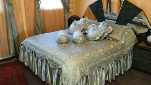 Bed set with curtain