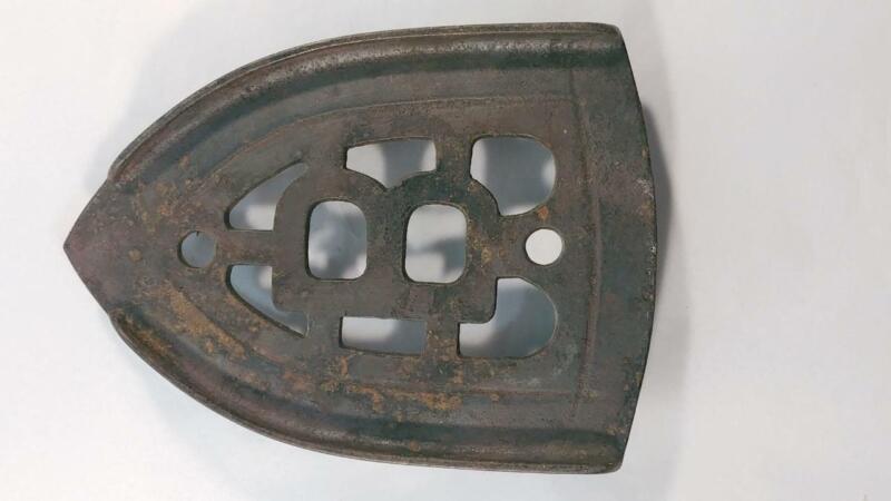 """Antique Cast Iron Sad Iron Rest Trivet by Best """"B"""""""