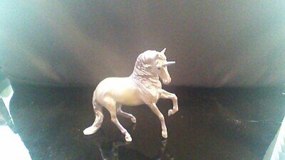 Breyer NEW MOLD - mini Alborozo Stablemate - Unicorn Crazy Surprise Series 1