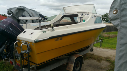 18ft Stejcraft Half Cabin fishing boat - inc rego and safety gear