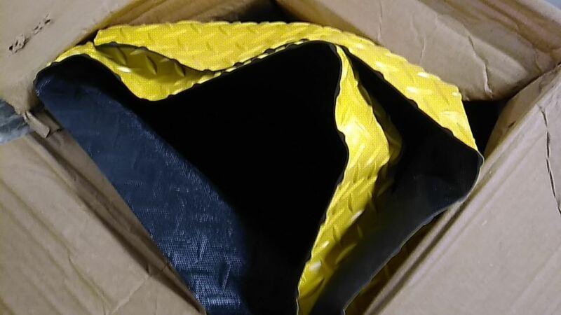 Notrax 985S0045YB 4 Ft W 5 Ft L 1 In Thickness 40 Lb Vinyl Antifatigue Mat (CW)