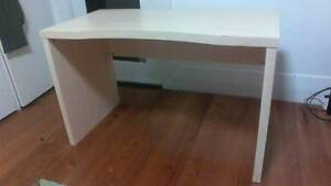 Desk for free East Geelong Geelong City Preview