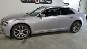 2014 Chrysler 300 300S, toit panoramique, cuir, navigation