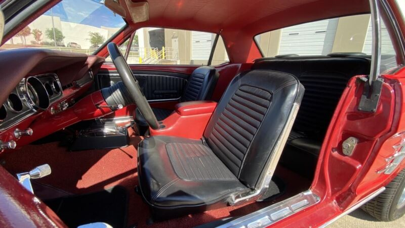 Image 11 Voiture American classic Ford Mustang 1966