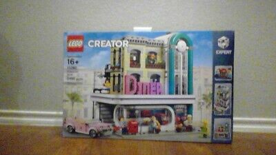LEGO 10260 Downtown Diner 100% Complete