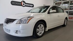 2011 Nissan Altima 2.5 SL, cuir beige, toit ouvrant ONE OWNER