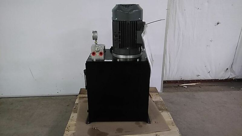 Monarch T58C405R02S0-01 5 HP 1800 RPM 208-230/460VAC 15 Gal Hydraulic Power Unit