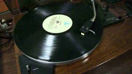 Kenwood KD-2033 Turntable / Record Player Belt Drive Vintage Mullaloo Joondalup Area Preview