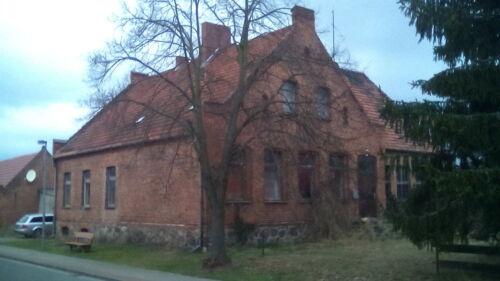 Grosses Haus, die ehemalige Schule bei Stendal und Gardelegen