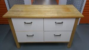 Beautiful kitchen bench and drawers Springvale Greater Dandenong Preview