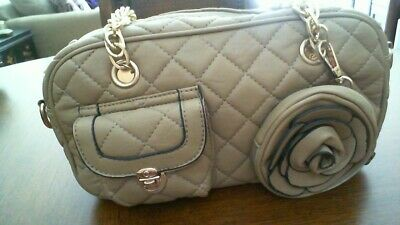 QUILTED HANDBAG/SHOULDER BEIGE/CHAIN ACCENT/NEW