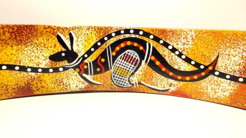 Australia Hand Made Balancing Wine Bottle Holder Traditional Native Art Kangaroo