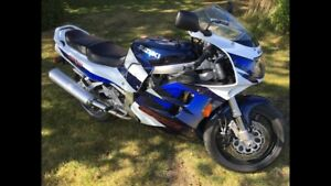 Parting out 98 gsxr 1100