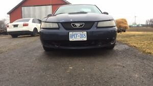 2001 Ford Mustang v6 auto