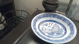 Hand Painted Antique 1/2porclien 1/2 bone chinaBlue Pottery dish