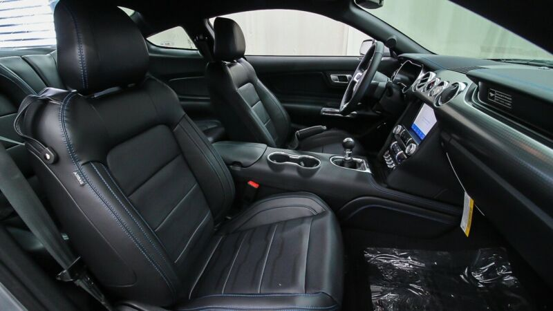 Image 11 Voiture American used Ford Mustang 2020