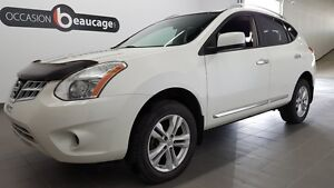 2012 Nissan Rogue SV AWD, sièges chauffants, bluetooth, régulate