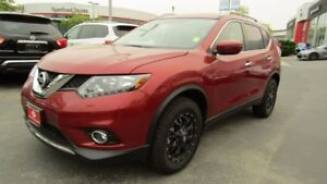2016 Nissan Rogue SV AWD ALL WHEEL DRIVE!