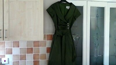 JULIAN TAYLOR OF NEW YORK OLIVE GREEN SHORT SLEEVE DRESS
