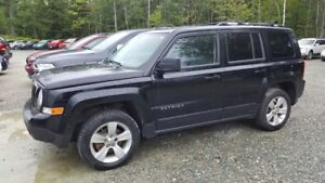 2014 Jeep Patriot Limited 4X4, cuir, navigation, bluetooth CLEAR