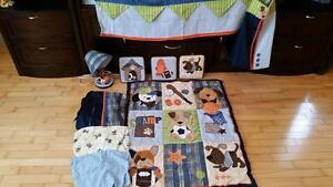 Crib bedding set with mobile Kitchener / Waterloo Kitchener Area image 1