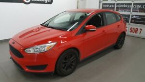 2015 Ford Focus SE,  volant chauffant, mags sport NO DAMAGE REPO