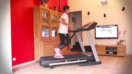 Heavy duty Healthrider 150T treadmill in excellent condition