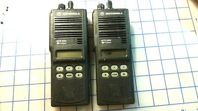 2 Motorola Mts2000 Flashport 800 Mhz Model H01ucf6pw1bn 2 Two Way Radio