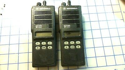 2 Motorola Mts2000 Flashport 800 Mhz Model H01ucf6pw1bn 2 Two Way Radio