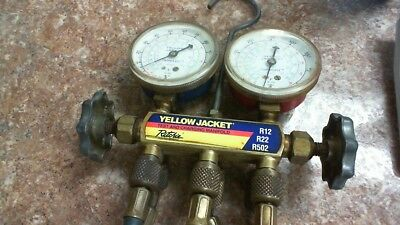 Yellow Jacket Hvac Test Charging 2 Valve Manifold Gauges R-1222502 Whoses