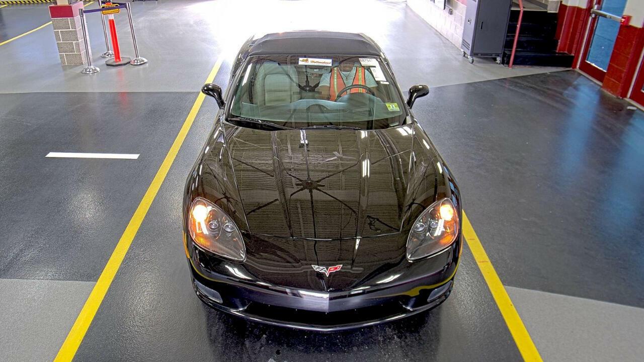 2006 Black Chevrolet Corvette Convertible  | C6 Corvette Photo 3