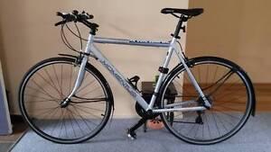Flat bar road bike like new! Byron Bay Byron Area Preview