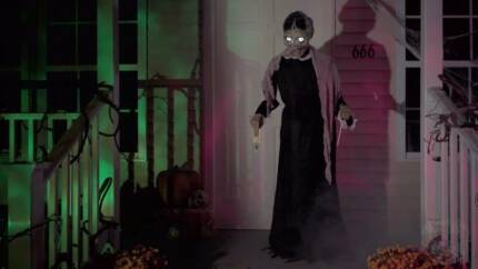 Halloween - Animated 5ft Mrs bates talks moves lights up